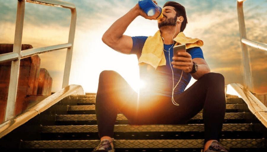 Ισοτονικά ποτά VS Νερό: Το απόλυτο crash test της ενυδάτωσης στην προπόνηση